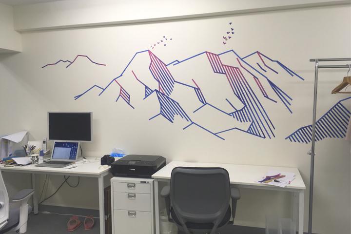 マスキングテープを手作りしてオフィスの壁を夏仕様にした。