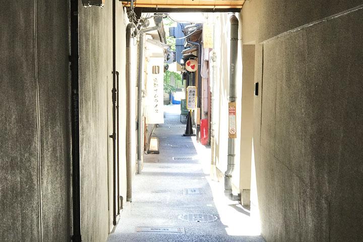 先斗町と木屋町を繋ぐ小道