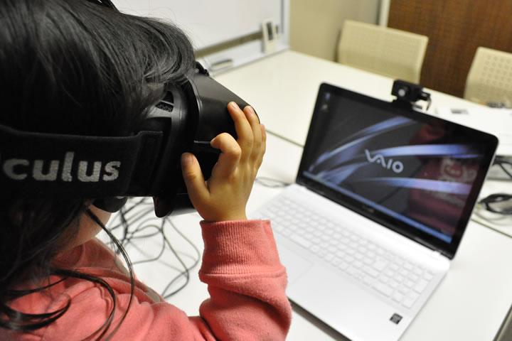 Oculus Riftでバーチャルワールドへダイブ中