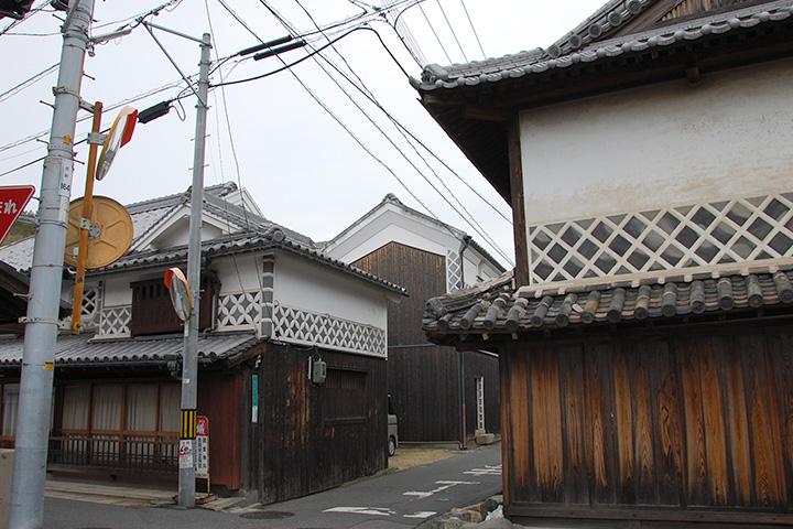 四柱神社付近の町並み