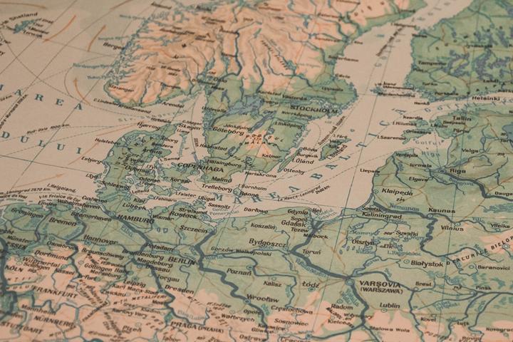 「Stroly」を使って、オリジナルの地図に位置情報を表示させよう