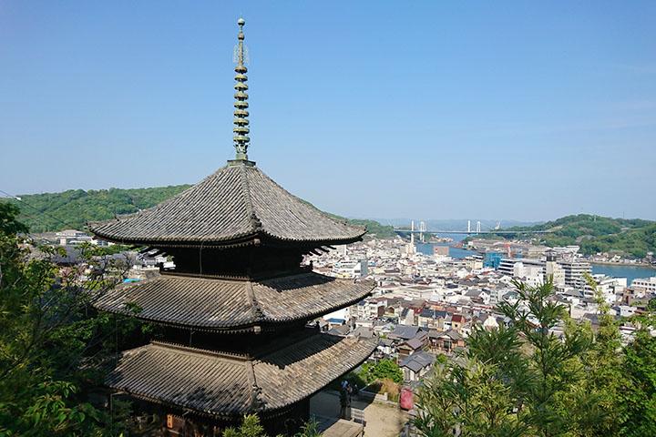 上から見た三重塔